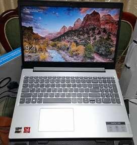 Lenovo IdeaPad L340 de 16¨ con procesador Ryzen 3 + Bandeja + Teclado y Mouse.