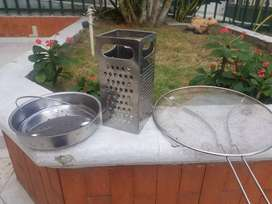 Set x 3 cocina en acero inoxidable. Antisalpicaduras, Rallador varias texturas, vaporera.