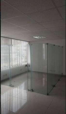Alquiler de Oficina en Edificio Empresarial