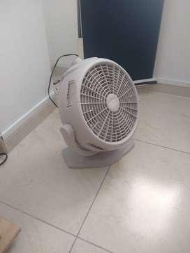 dos ventiladores pequenos