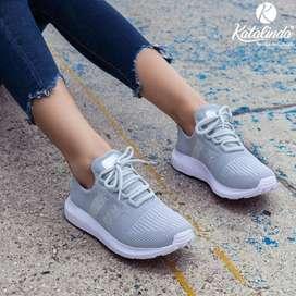 Comos zapatos deportivos