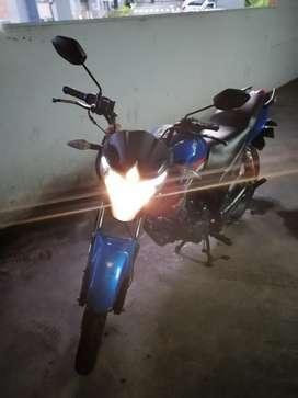 Moto EXCELENTE BARATA