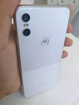 Motorola one en buen estado 1600