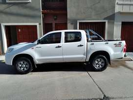 Toyota Hilux 4X4 DC DX  Pack 2.5 2014