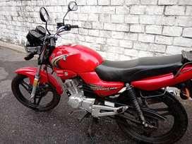 bendo moto Yamaha ybr 125 anio 2011,kilometrje20 mil.color rojo.