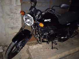 Vendo bonita moto Hero Eco