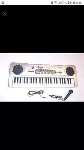 Piano portatil