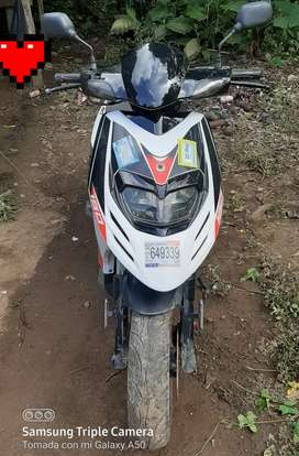 Scooter AKT