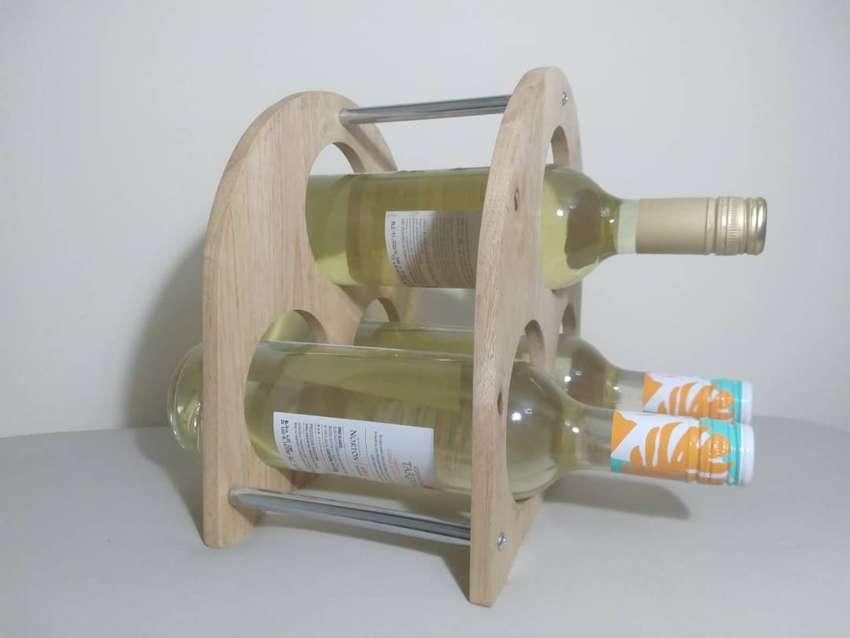 Bodega Vinoteca Cava de Madera para 3 botellas 0