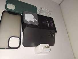 iPhone 12 pro 128GB + Cargador Original 20 W + 2 fundas