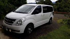 Vendo o cambio por pick Up  Buseta H1 modelo 2012