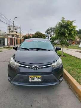 Toyota Yaris sedan año 2014 mecanico dual con gnv 5ta generación con setame vigente full