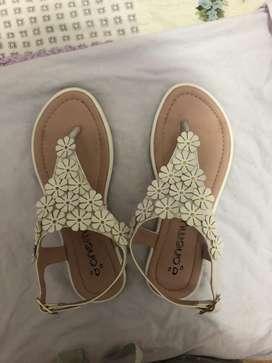 Sandalias blanca talla 36