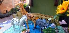 Oportunidad!!! hermoso set de animalitos de la selva
