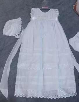 Vendo hermoso vestido de bautizo para niña de hasta un año