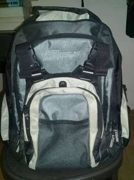 MOCHILA NOTEBOOK TARGUS SLAM BACKPACK 15,4