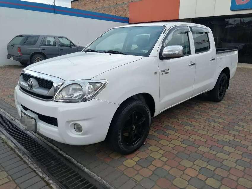 Toyota Hilux DC 2011 0