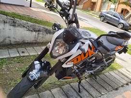 Moto KTM en excelente estado tecnomecanica y SOAT abril 2022