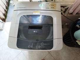 Lavadora LG 8.5 kg (19lbs) usada color gris