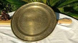 Plato bandeja de bronce con soporte para colgar