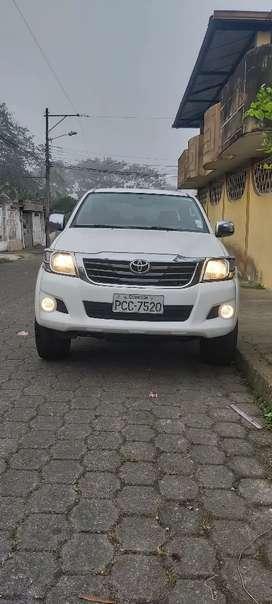 Toyota Hilux 2013 D/C 4x4 Turbo Diésel