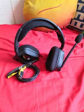 Auriculares Corsair VOID Wireless en excelente estado