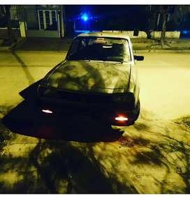 Se vende Peugeot 504 ANDANDO. Para reparar o repuesto. NO PERMUTO NO SE VENDE POR PARTES.