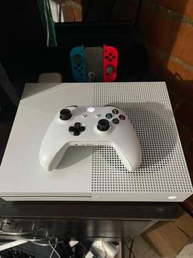Xbox one s, 500 gb's, control, cable hdmi y cable de poder