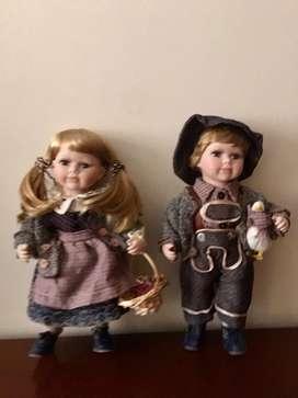 Pareja de muñecos de porcelana