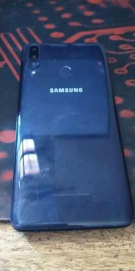 Samsung A20S en caja.