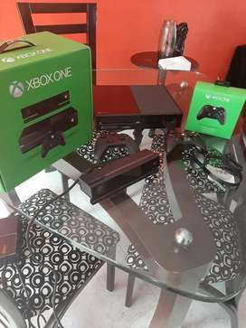 Xbox One - Play 4 - Play 3