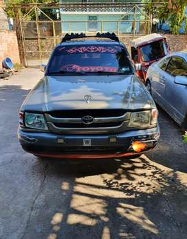 Vendo toyota hilux     12,200 negociable