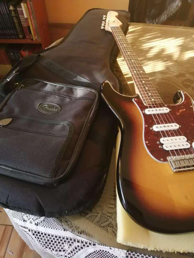 Guitarra eléctrica Fender Stratocaster Deluxe Power Strat 0