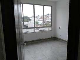Departamento tres dormitorios en segundo piso Sta. Cecilia