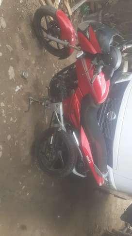 Vendo moto pulsar 180 en buen estado