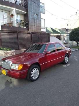 Mercedes E300 en excelente estado. 1990 con 179000KM