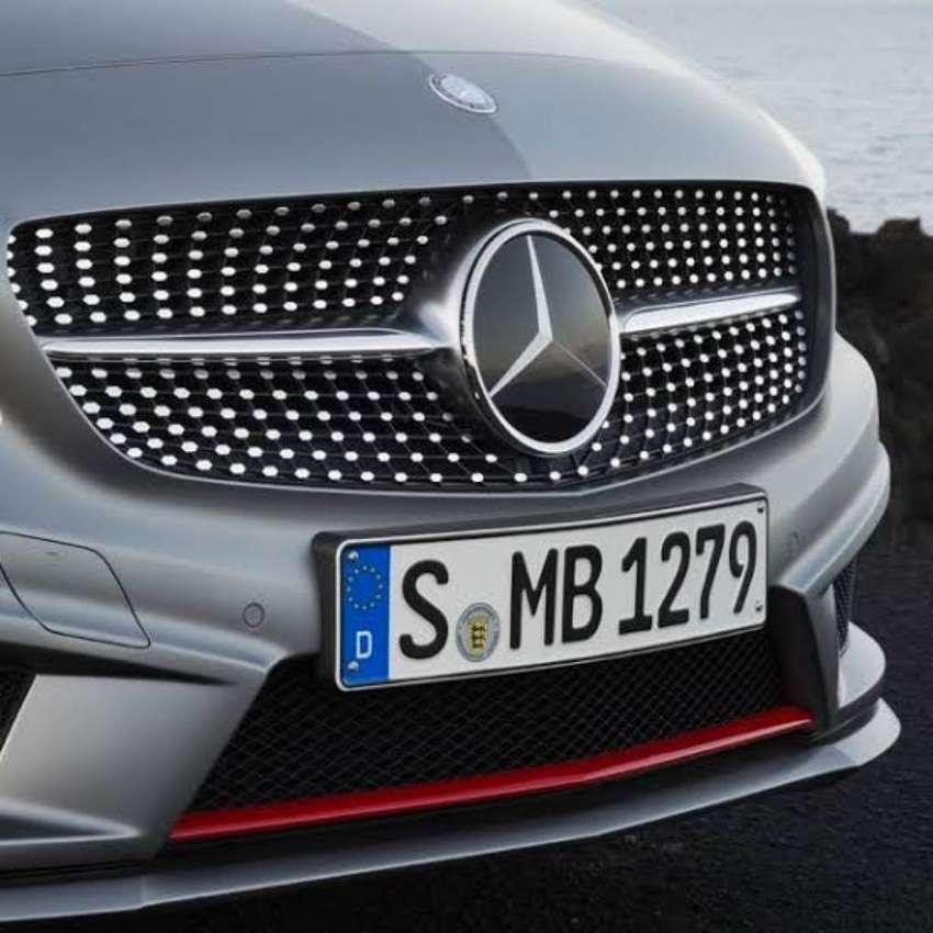 Parrilla Grill Delantero Mercedes Benz 0