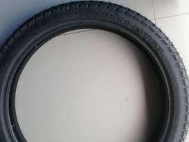 Llanta marca pirelli MT60  90/90-21