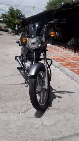 Espectacular moto bóxer