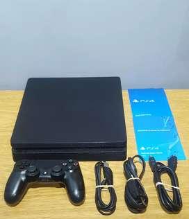 PS4 Slim 1Tb | con 5 juegos y 1 joystick