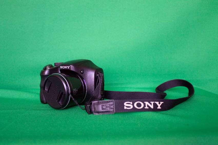 Se vende Sony H200 0