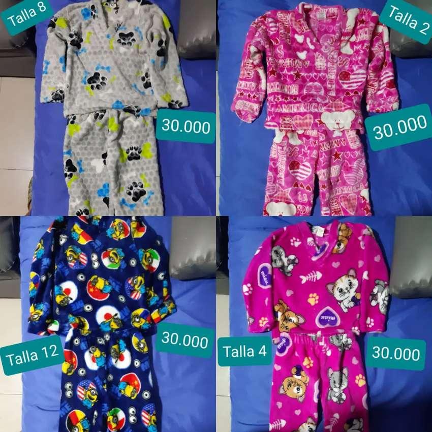 Lindas pijamas para niños y niñas de diferentes estilos y tallas