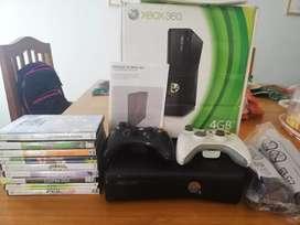 Xbox 360 con 2 joystick y juegos - chipiada