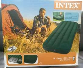 COLCHON INFLABLE INTEX SENCILLO CAMPING