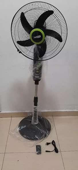 Ventilador recargable  pedestal 16