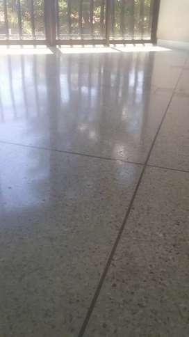 Pulidas y cristalizadas en pisos de granito y marmol