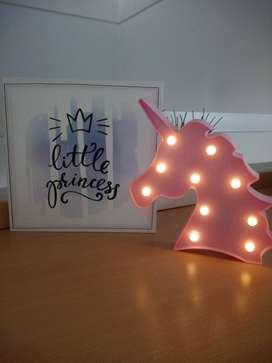 Unicornio y cuadro princesa