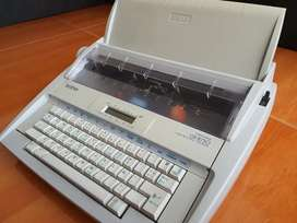 Maquina de escribir eléctrica Brother
