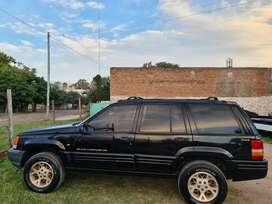 Jeep Cherokee V8 Automática U N I C A 4 x 4