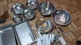Utencillos de cocina y platos